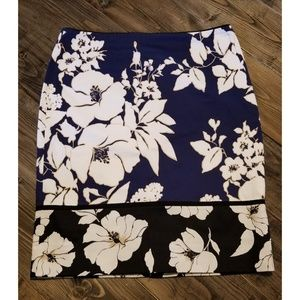 🌴5 for $25🌴   WHBM floral pencil skirt